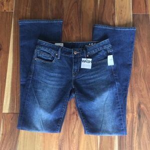 NWT GAP Midrise MedWash Curvy Bootcut Jeans sz 27r